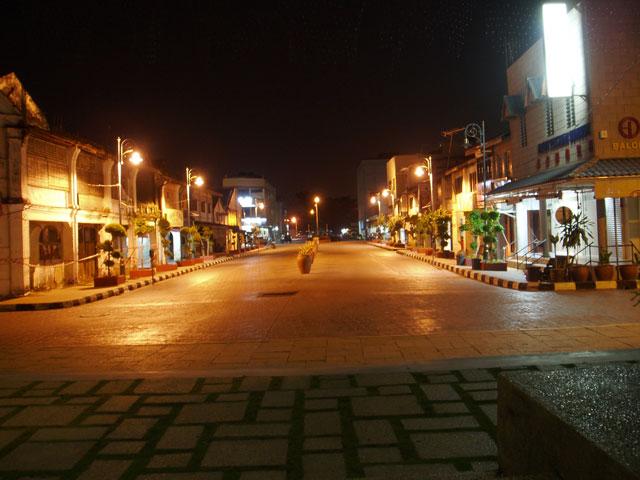 River-Street-2.jpg