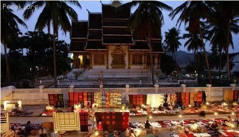 老挝——琅勃拉邦的古城 a.JPG