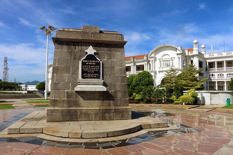 在怡保位于怡保的遗产正方形的战争纪念建筑纪念碑,霹雳州,马来西亚-136673685
