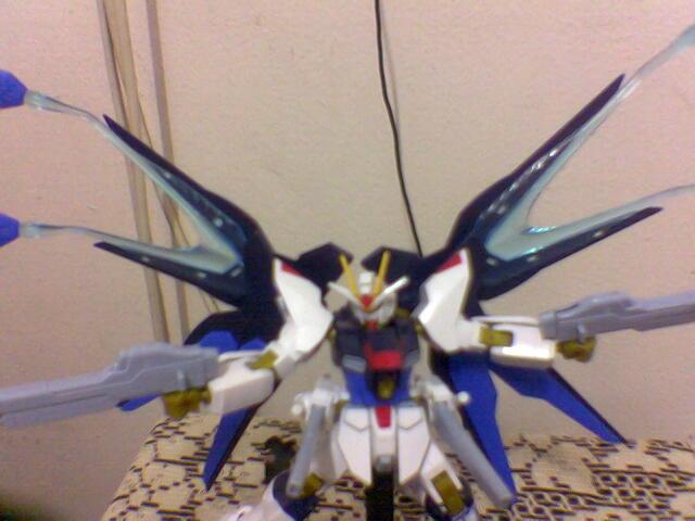 strike gundam (1).jpg