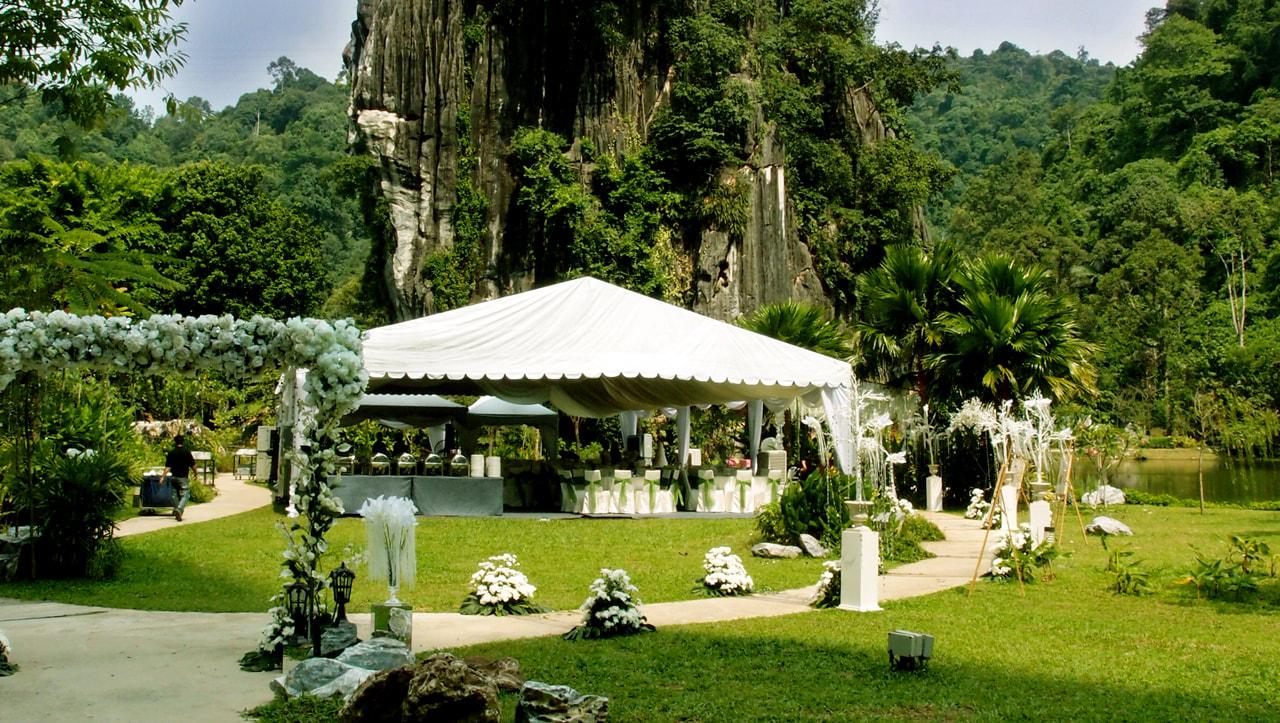 wedding-lake-garden-wide-vertical-1280x723px-300res_3